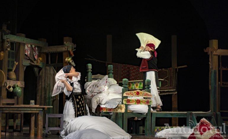 """Teatrul Dramatic """"Fani Tardini"""" din Galați îi așteaptă pe iubitorii de teatru, în acest weekend, la ultimele reprezentații din anul 2019"""