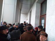 VIDEO/ Pensionarii din Galați s-au îmbrâncit și s-au certat pentru biletele de la Revelion