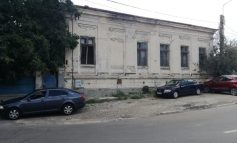 După eșecuri repetate, municipalitatea reia proiectul transformării unei ruine în creșă