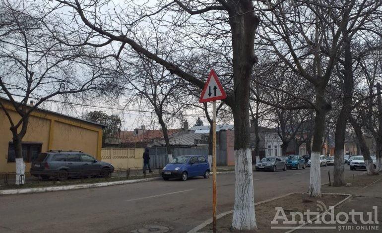 Reguli noi de circulație în zona Rizer. Autoritățile au renunțat la câteva sensuri unice recent introduse