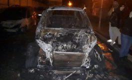 VIDEO Incendiu într-o parcare din Galați. Au ars o mașină de lux și alte două autoturisme