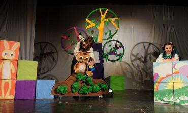 """Premiera spectacolului """"Ursul păcălit de vulpe"""" la Teatrul """"GULLIVER"""""""