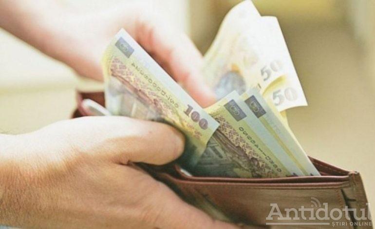 O gălățeancă a plătit cât salariul minim pe economie pentru a comanda o crimă. Un italian de 64 de ani a fost omorât de amantul femeii