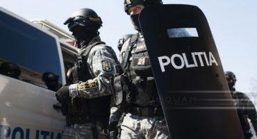 Percheziţii făcute de poliţiştii din Dâmboviţa în Capitală la persoane bănuite că înmatriculau ilegal maşini