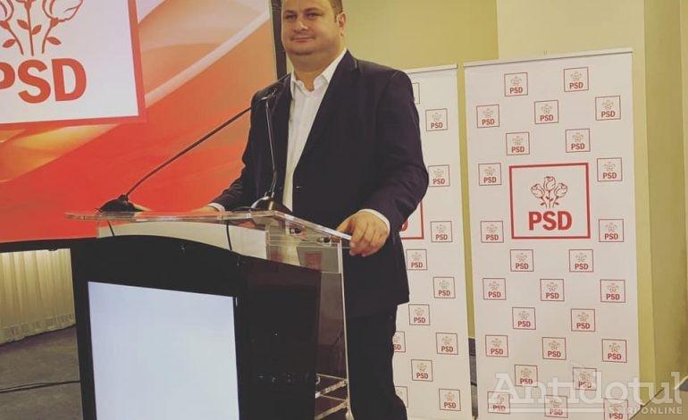 """Marius Mărgărit și-a stabilit sloganul de campanie: """"Noi pesediștii, Tinder să fim mai buni!"""""""