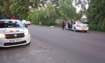 Moarte suspectă în Dâmboviţa. Un bărbat a fost găsit mort în maşină