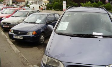 Zeci de samsari auto duși la poliție. Potrivit anchetatorilor, ei au făcut un prejudiciu uriaș