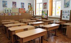 Coronavirusul ar putea închide școlile. Asociațiile de elevi solicită suspendarea cursurilor, iar autoritățile vor lua o decizie peste câteva ore