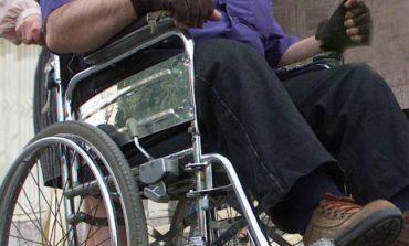 Circa 1.200 de orfani şi de persoane cu handicap din judeţul Galaţi, lăsaţi fără bani. Gaura: 8 milioane de euro