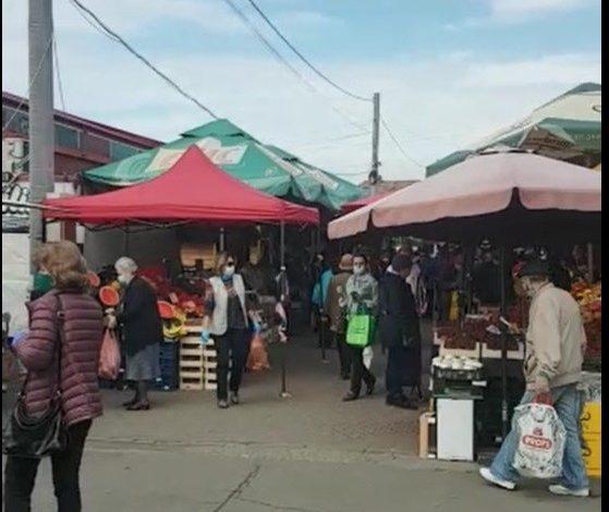 Păruială electorală pe tarabele piețarilor: Parlamentul a votat un proiect de lege care permite redeschiderea piețelor