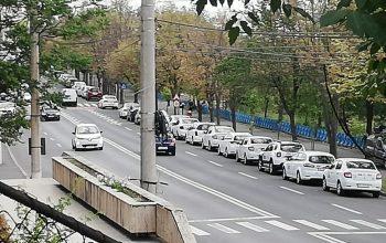 Protest al taximetriștilor pe 1 km din Faleza Dunării