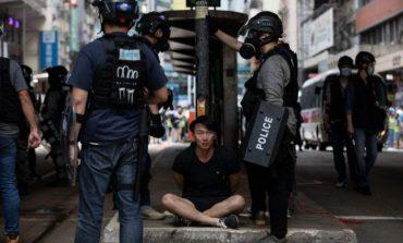 Tensiuni în Hong Kong. Parlamentul local a adoptat legea care pedepseşte lipsa de respect faţă de imnul Chinei