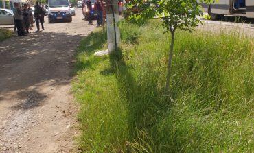Șapte răniți dintr-o lovitură. Un microbuz s-a ciocnit violent de un tir pe o șosea din județul Galați