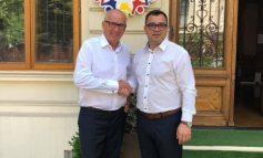 Nicolae Marin vrea amânarea începutului de an școlar, iar Marius Stan visează să dărâme sediul PSD