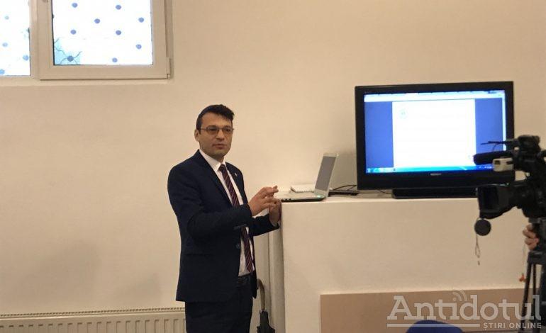 Candidatul PNL va fi președintele USR, Bogdan Rodeanu