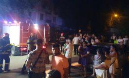 VIDEO Noapte cu aventuri în Micro 40. Un apartament a luat foc, întregul bloc a fost evacuat