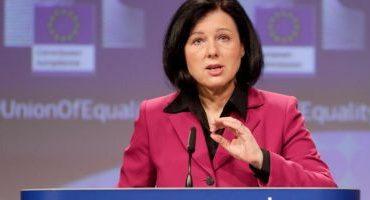 Avertismentul UE pentru România: Banii europeni, inclusiv fondurile pentru COVID-19, ar trebui condiţionaţi de statul de drept