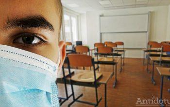 Părinții, transformați în medici. Ei vor fi obligați să verifice starea de sănătate a copiilor înainte de școală