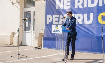 Cel mai șmecher din parcarea plină de liberali a părut să fie azi Bogdan Rodeanu