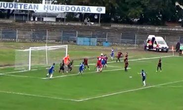 VIDEO Meci nebun în Liga 3, între CS Hunedoara și CSO Cugir! Portarul a egalat la 3, la ultima fază a meciului