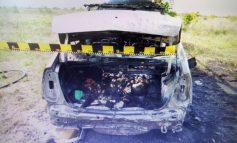 Intervenție pentru salvarea unui șofer captiv într-o mașină care a luat foc
