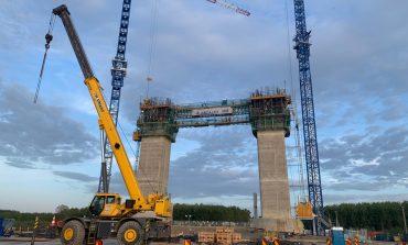 """Lucrări cu frâna trasă la podul peste Dunăre: """"Există o oarecare tergiversare"""""""