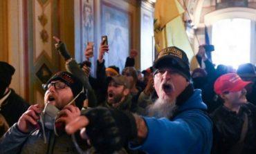 Chitaristul şi fondatorul trupei Iced Earth s-a predat FBI care îl acuză de insurecţie la Capitoliu