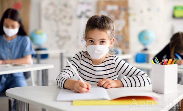 Autoritățile încă mai fac planuri privind reluarea școlii. La intrare se va face triajul epidemiologic al copiilor