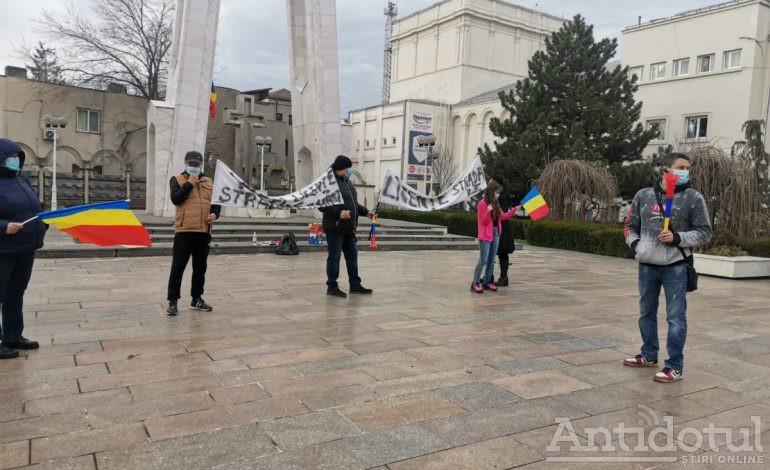 Vânzătorii de mărțișoare au protestat la Galați