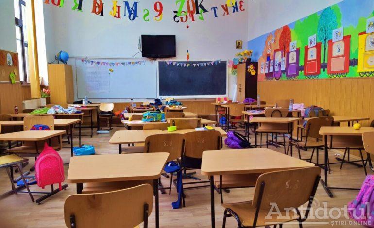 Ministrul Educației a anunțat ce măsuri anti-Covid vor fi impuse în școli