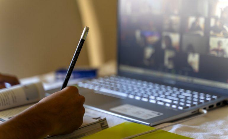 Prea bun, tot pe la țară: O primărie comunală investește 1,4 milioane lei în școala on-line