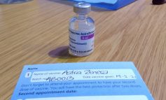 Trombozele vor fi listate drept efecte adverse rare ale vaccinului AstraZeneca. Simptomele trebuie anunțate medicului
