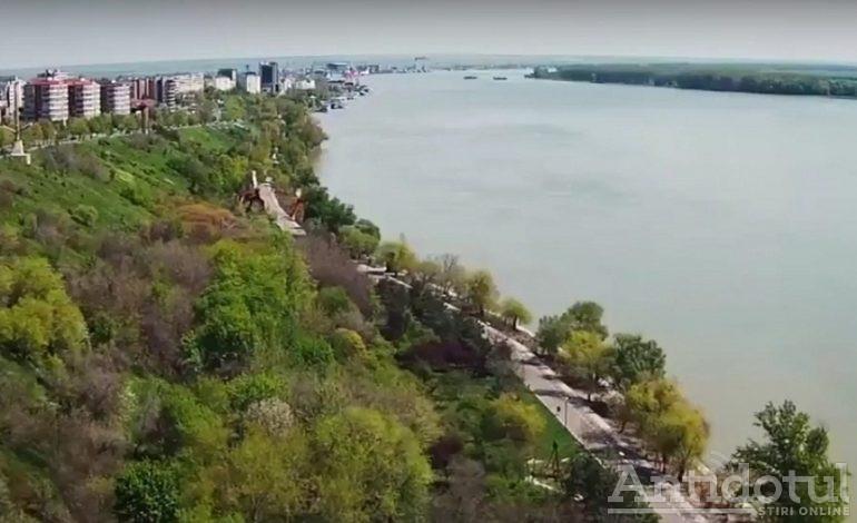 Poezie în plină epidemie. Faleza Dunării din Galați va fi împânzită de versuri