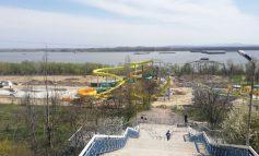 Primarul Pucheanu jură că a terminat de pus bordurile la Aquapark. Deschiderea la 1 august!