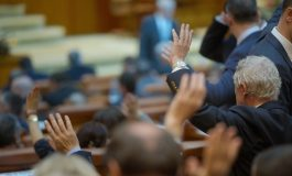 Sondaj: PNL și USR-PLUS rămân parteneri pe toboganul politic. Agenda cetățenilor vs. cea a politicienilor