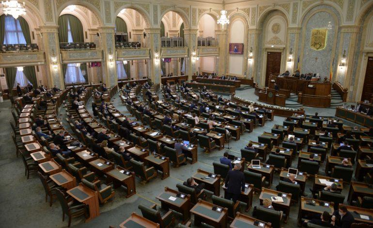 Festivalul democrației, faza parlamentară: aleșii s-au bătut în moțiuni de cenzură