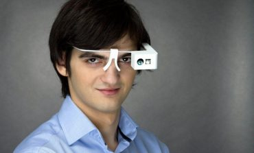 Ochelari pentru nevăzători – invenția deosebită a unui român, pentru care a fost nominalizat la Global Business Hall of Fame