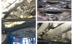 """Mașină de lux """"reparată"""" într-un service din Galați cu burete și piese stricate"""