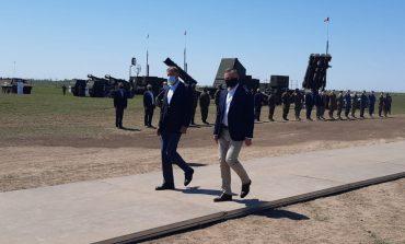 Joaca de-a războiul. Președinții României și ai Poloniei au asistat la un exercițiu militar la poligonul Smârdan