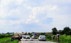 Accident grav la Șendreni. Un microbuz a lovit frontal un autoturism