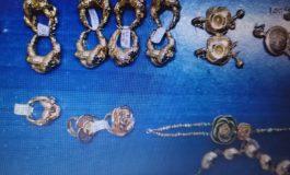 Țeapă de proporții la Galați. O femeie a cumpărat o traistă de bijuterii false