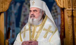 Doamne ajută.com! Patriarhul Daniel a blagoslovit Facebook-ul
