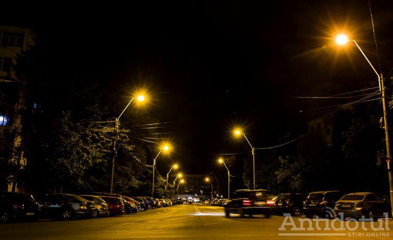 Primăria Galați montează lămpi LED pe principalele străzi din oraș