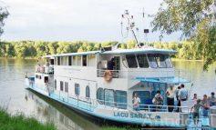 Gălățenii și brăilenii s-au călcat în picioare ca să prindă un loc pe puntea vaporului care se plimbă pe Dunăre