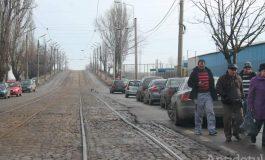 Moldovenii nu mai au voie să vândă alimente sănătoase pe Calea Prutului. Trăiască monoglutamatul!