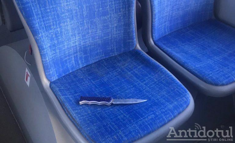 VIDEO Scandal într-un autobuz din Galați: un bărbat a amenințat două persoane cu un cuțit