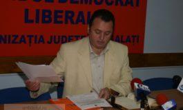 Iulian Aramă a demonstrat cîte lucruri nu ştie despre politică