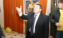 Anul trecut, deputatul PNL Victor Paul Dobre a cîştigat 2 miliarde de lei din bani publici, fără să facă nimic