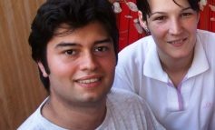 După ce a reuşit să fenteze moartea, jurnalista Carmen Botezatu este driblată zilnic de Poliţia Galaţi