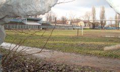 Stadionul Portu Roşu se cere demolat